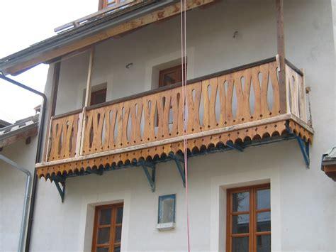 ringhiera per balconi fuoco ferro legno balconi