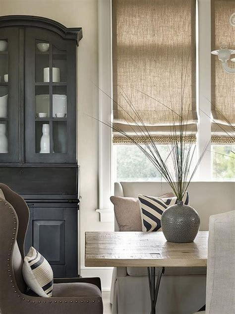 Interior Window Treatments by 25 Best Ideas About Dining Room Windows On