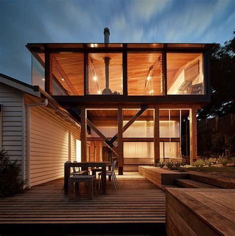 austin maynard architects elevates dorman house in australia