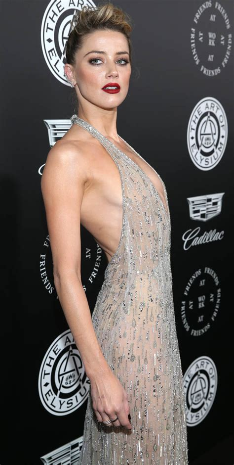 amber heard 2018 golden globes 2018 amber heard goes braless in entirely