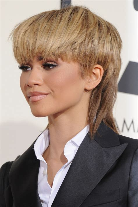 Womens Hairstyles Pictures by Zendaya On Grammys 2016 Mullet Hairstyle Reporter