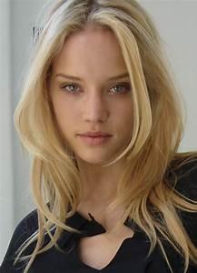 Julie Ordon - Model Profile - Photos & latest news
