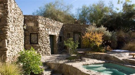 suzanne somers relists palm springs estate
