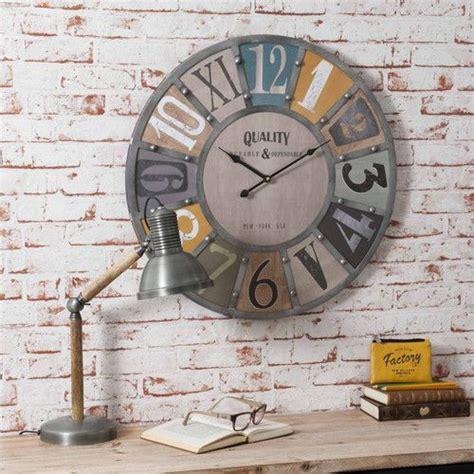 horloge avec rivets en metal edwin maisons du monde industriel pinterest horloge maison