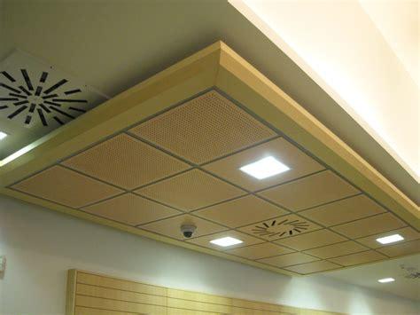 plafond de chambre faux plafond chambre coucher plafond tendu lumineux