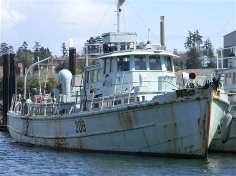 Decommissioned Fishing Boats For Sale Uk by Canadian Navy Yag S For Sale This Web Page Has Some Good