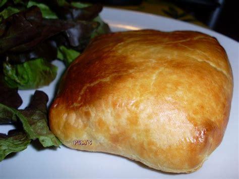 poulet en pate feuilletee escalope de poulet en cro 251 te au st marcellin la cuisine de pim s compagnie