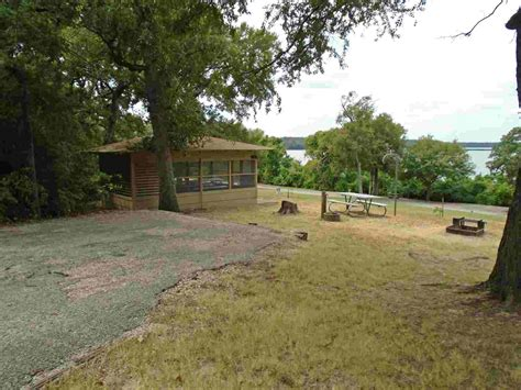 fort parker state park screened shelters texas parks wildlife department