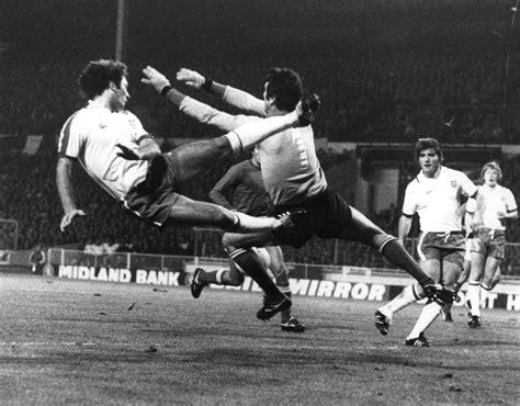 Portiere In Inglese by Dino Zoff Il Portiere Della Nazionale Italiana In Uno