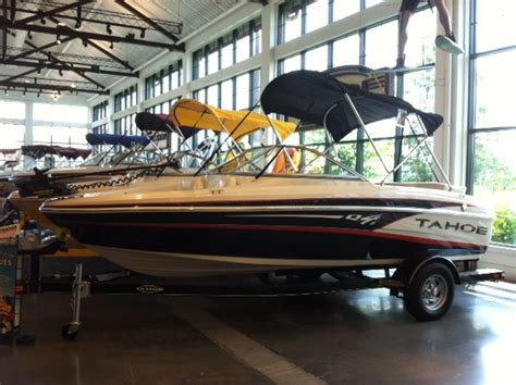 Bass Pro Used Boats Independence Mo by New 2013 Model Tracker Boats Arriving Now Bass Pro Shops