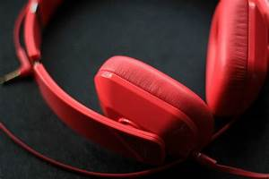 2020 Guide To The Best Travel Noise Canceling Headphones