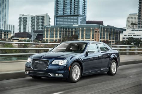 Chrysler Car : 2017 Chrysler 300 Reviews And Rating