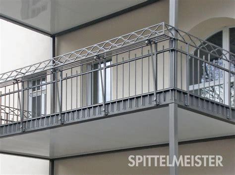 balkongelaender stahl edelstahl edelstahlgelaender ideen