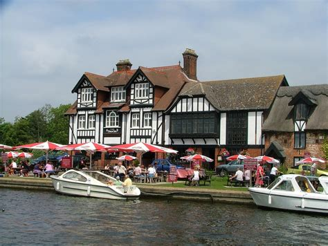 norfolk broads pub holidays beachside yarmouth holiday chalet hickling flickr web waterside