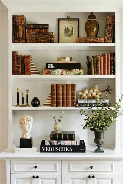 Decorating Bookshelves With Baskets by 17 Best Ideas About Decorating A Bookcase On