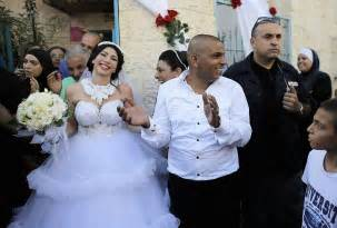 mariage mixte a muslim groom and his in tel aviv as block protest outside pics
