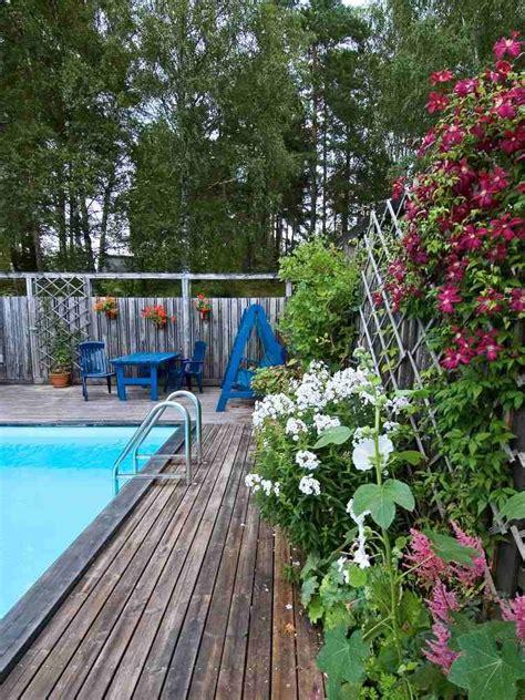 amenagement paysager autour d une piscine creusée am 233 nagement jardin paysager autour d une piscine 40