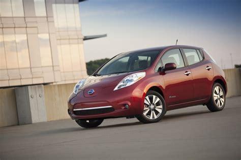 nissan celebrates 99 999 100 000 leaf electric car sales
