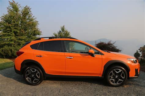 Cross Trek Subaru by 2018 Subaru Crosstrek Review Autoguide News
