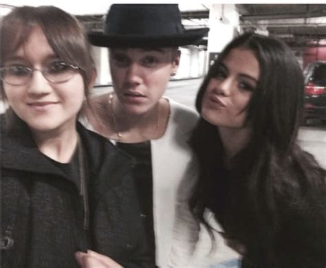 Justin Bieber and Selena Gomez Do Dinner and a Movie ...