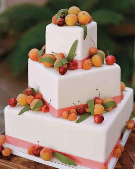 29 Summer Wedding Cakes That Were Sweet On Martha