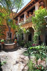 Mexican Style Homes with Courtyards