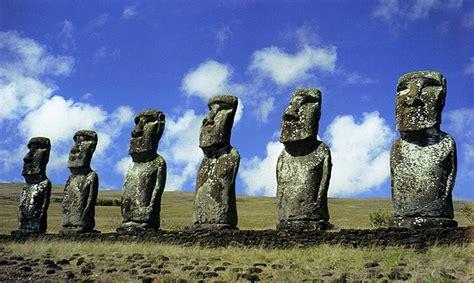 rock statues easter island moai statues and rock art of rapa nui
