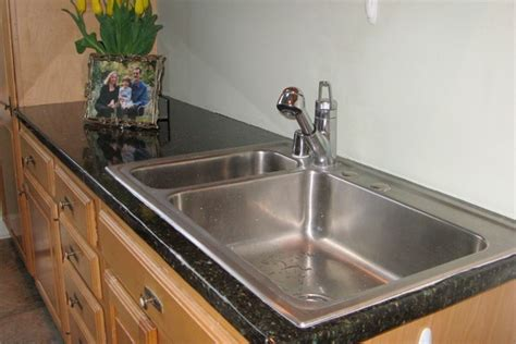 faux granite to cover an existing countertop to look