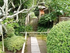 Dalle Allée Jardin : all e de jardin en dalle de pierre dans un jardin japonais pas japonais sentiers et dalles de ~ Melissatoandfro.com Idées de Décoration
