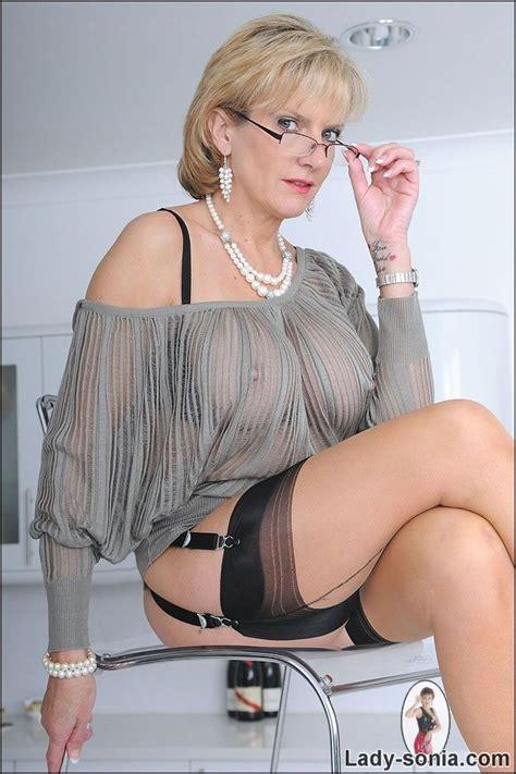 sonia  glasses  nylons lady sonia unterwaesche
