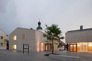 Soziale Einrichtungen München : aussegnungshalle und friedhofsanlage in ingelheim geneigtes dach kultur baunetz wissen ~ Yasmunasinghe.com Haus und Dekorationen