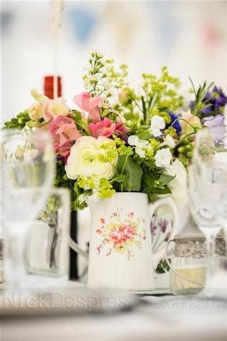 shabby chic wedding centerpieces uk 65 best shabby chic center pieces images on pinterest flower arrangements centerpieces and