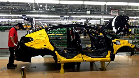 fears mexicos manufacturing boom  lifting