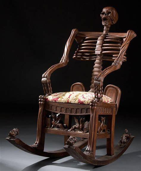 foto de 99 WOW: Spooky Furniture: Skulls Bones & Human Organsأثاث