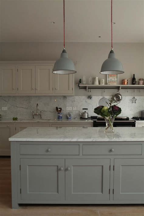25 Breathtaking Carrara Marble Kitchens for your Inspiration