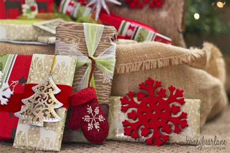 beautiful christmas wrap how to give gifts for a large family