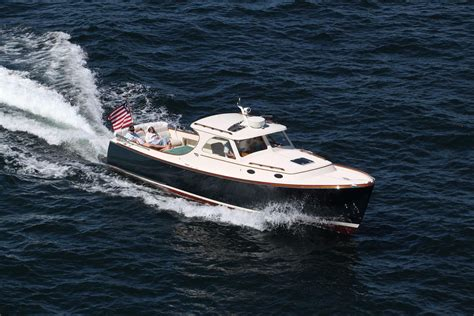 Hinckley Power Boats by 1998 Hinckley Picnic Boat Classic Power Boat For Sale