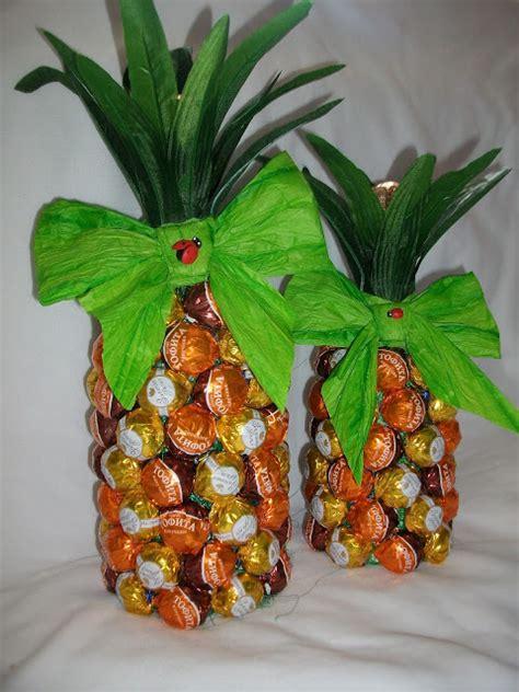 creative gift wrap ideas wine bottle   pineapple