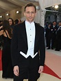 Tom Hiddleston Had A Super Famous Dance Partner At The Met ...