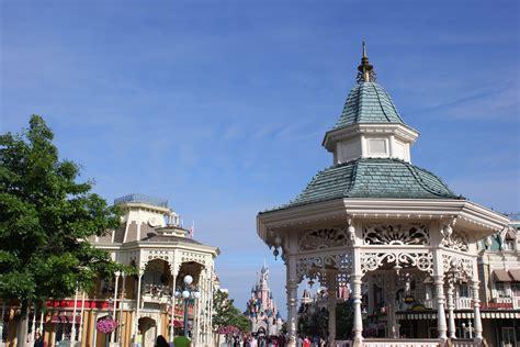 Home Dlp Town Square Disneyland Paris Past Present