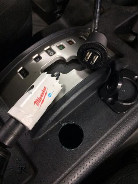 Can You Add A Usb To A Car Stereo - great write up on adding more usb 12v power points in your