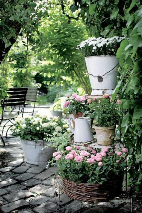 Vintage Garten Ideen vintage deko l 228 sst den garten charmanter und weiblicher