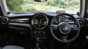Mini Cooper Interieur : mini cooper s 3 door interior car photos overdrive ~ Medecine-chirurgie-esthetiques.com Avis de Voitures
