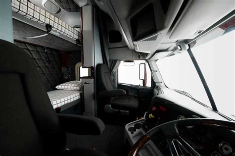 freightliner interior model freightliner argosy trucks on road trucks detroit dd15 14