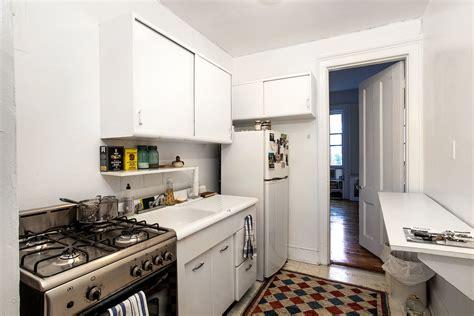 tiny brooklyn kitchen room  lots  ideas