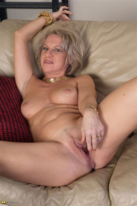 This Mature Lady Loves To Get Naked And Show Off Mature Wild Moms Mature Moms Goes Wild At