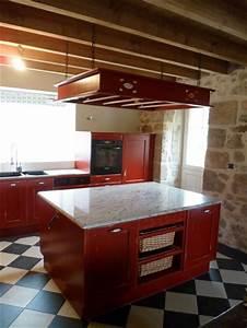 cuisine rouge avec ilot central With cuisine rouge avec ilot central