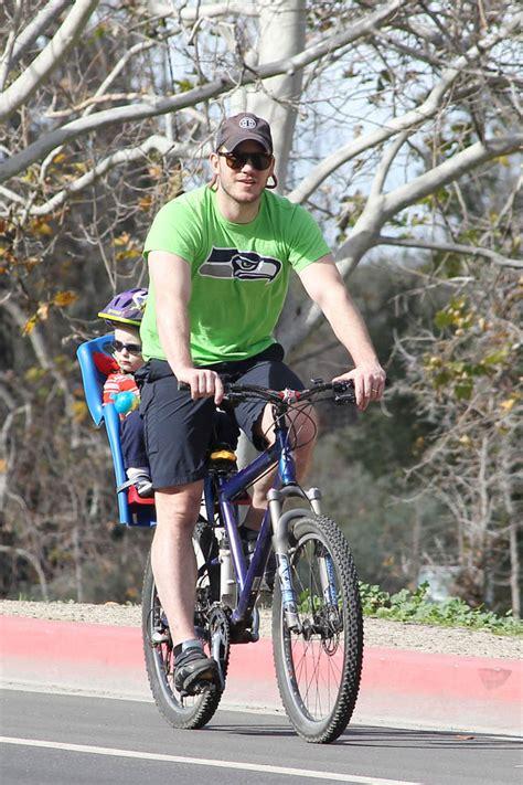 chris pratt  fit   bike ride  wife anna faris