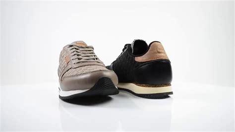 Vetvlek suede schoenen