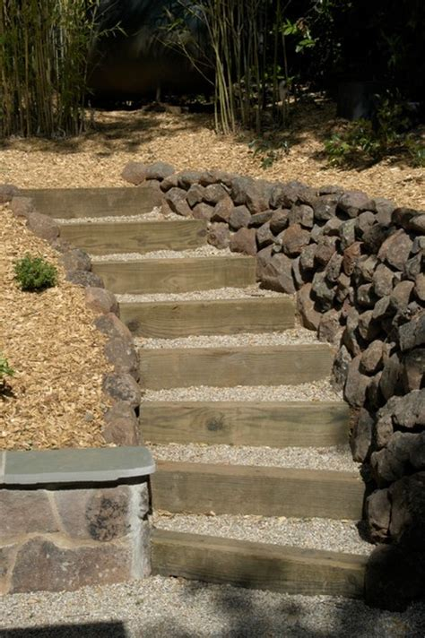 wood  gravel acess steps traditional landscape